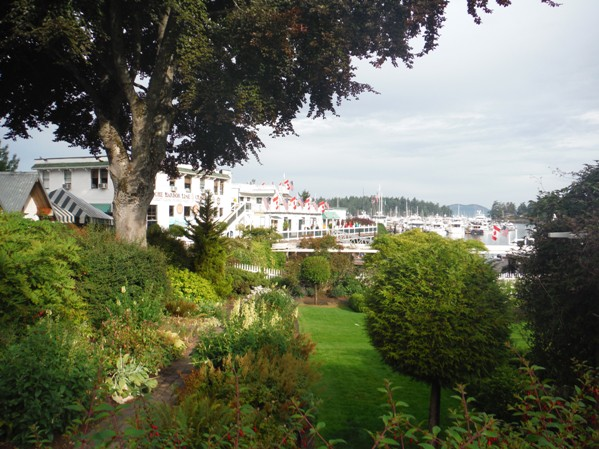 Islands Harbor Hotel